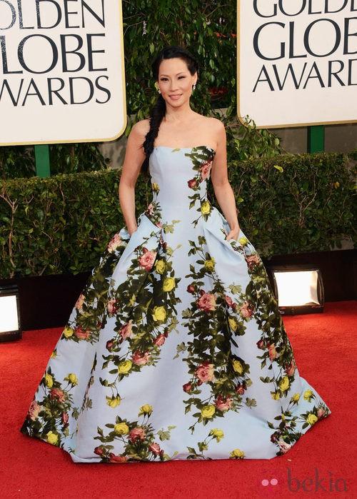 Lucy Liu con un vestido de Carolina Herrera en los Globos de Oro 2013