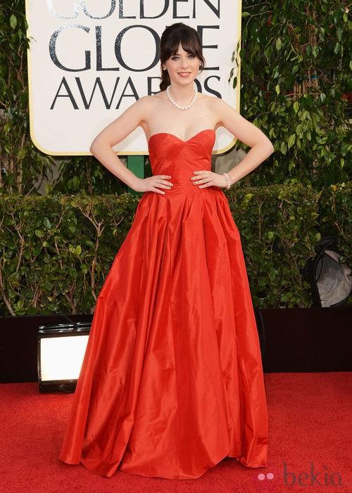Zooey Deschanel con un vestido de Oscar de la Renta en los Globos de Oro 2013