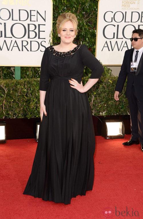 Adele con un vestido de Burberry en los Globos de Oro 2013