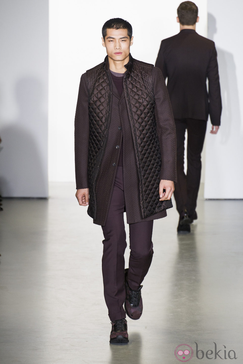 La De Calvin Granate Hombre Moda Para Abrigo Semana Klein En Bq7P0U