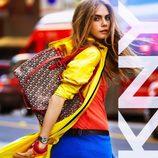 Llamativos colores en la colección primavera 2013 de DKNY presentada por Cara Delevingne