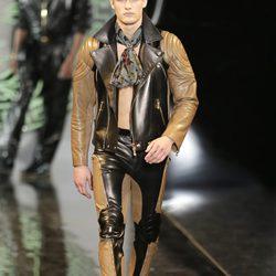 Colección otoño/invierno 2013/2014 de Versace en la Semana de la Moda Masculina de Milán