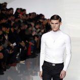 Camiseta blanca de la colección otoño/invierno 2013/2014 de Dior en la Semana de la Moda Masculina de París