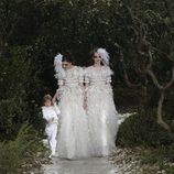 Vestidos de novia de la colección primavera/verano 2013 de Chanel en la Semana de la Alta Costura de París