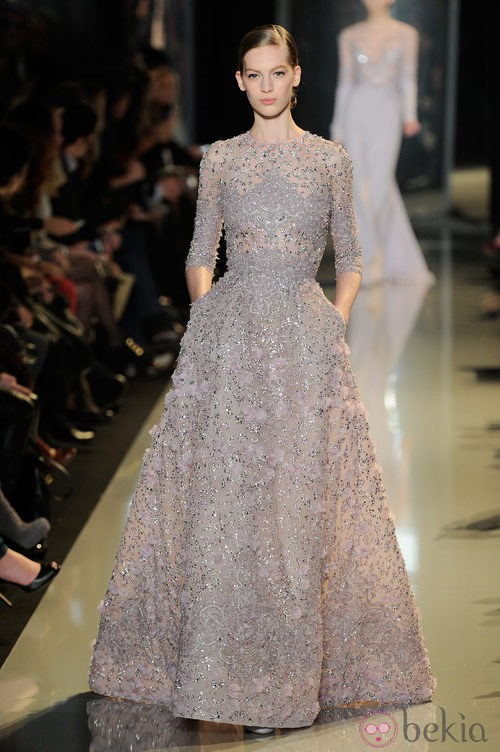 Vestido de pedrería de la colección primavera/verano 2013 de Elie Saab de la Semana de la Alta Costura de París