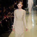 Vestido por debajo de la rodilla de la colección primavera/verano 2013 de Elie Saab de la Semana de la Alta Costura de París