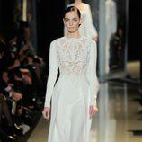 Vestido blanco de la colección primavera/verano 2013 de Elie Saab de la Semana de la Alta Costura de París