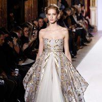 Vestido voluminoso de la colección primavera/verano 2013 de Zuhair Murad en la Semana de la Alta Costura de París