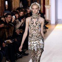 Vestido con transparencias de la colección primavera/verano 2013 de Zuhair Murad en la Semana de la Alta Costura de París