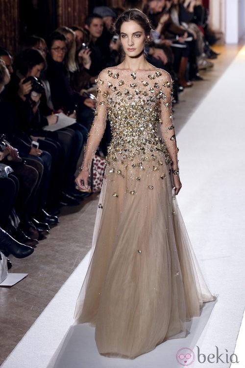 Vestido con detalles metálicos de la colección primavera/verano 2013 de Zuhair Murad en la Semana de la Alta Costura de París