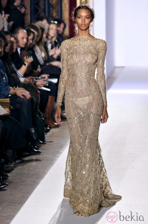Vestido con pedrería de la colección primavera/verano 2013 de Zuhair Murad en la Semana de la Alta Costura de París