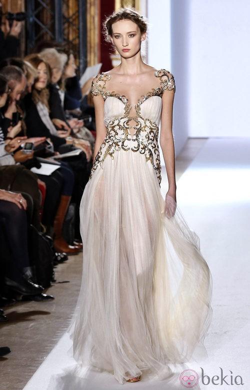 Vestido de estilo griego de la colección primavera/verano 2013 de Zuhair Murad en la Semana de la Alta Costura de París