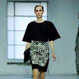 Capa negra de la colección primavera/verano 2013 de Longchamp