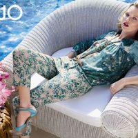 Kate Moss con un conjunto estampado de la colección primavera/verano 2013 de Liu Jo