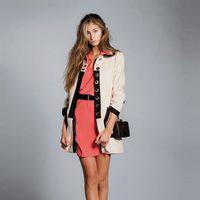 Vestido corto de color coral de la colección primavera/verano 2013 de Hoss Intropia