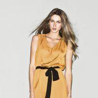 Vestido color mostaza de la colección primavera/verano 2013 de Sisley