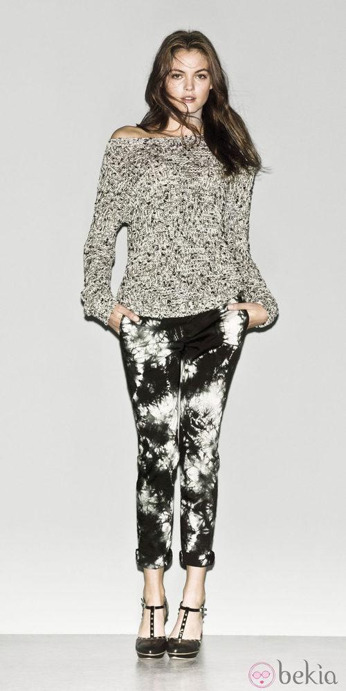 Look de pantalón y jersey de la colección primavera/verano 2013 de Sisley