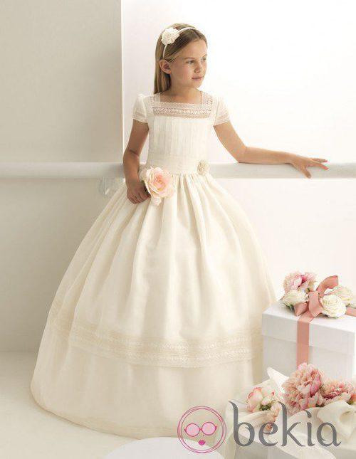 Vestido de Comunión en gasa beig de la colección 'Rosa Clará First'