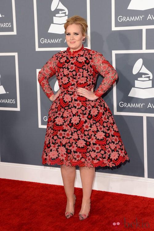Adele con un vestido de Valentino en los Grammy 2013