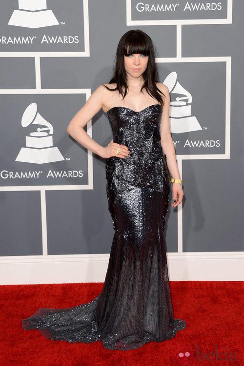 Carly Rae Jepsen con un vestido de Roberto Cavalli en los Grammy 2013