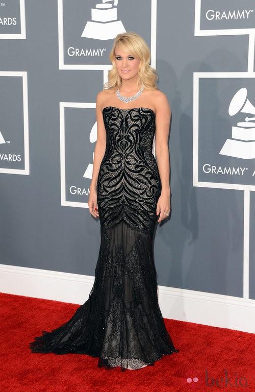 Carrie Underwood con un vestido de Roberto Cavalli en los Grammy 2013