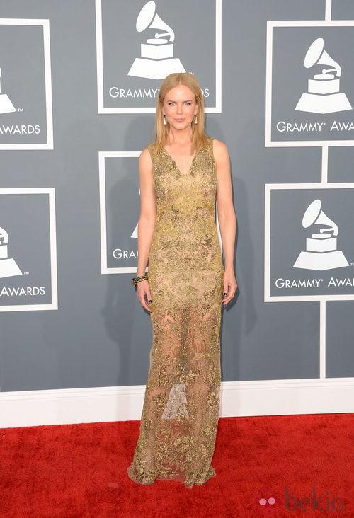 Nicole Kidman con un vestido de Vera Wang en los Grammy 2013