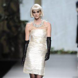Vestido palabra de honor de la colección otoño/invierno 2013/2014 de Francis Montesinos en la Madrid Fashion Week