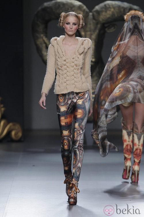 Jersey de lana de la colección otoño/invierno 2013/2014 de Maya Hansen en Madrid Fashion Week