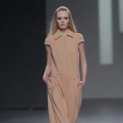 Mono en color maquillaje de la colección otoño/invierno 2013/2014 de Teresa Helbig en Madrid Fashion Week