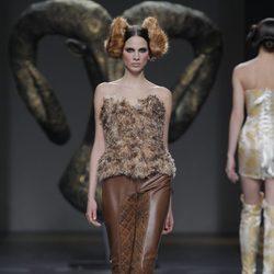 Conjunto de la colección otoño/invierno 2013/2014 de Maya Hansen en Madrid Fashion Week