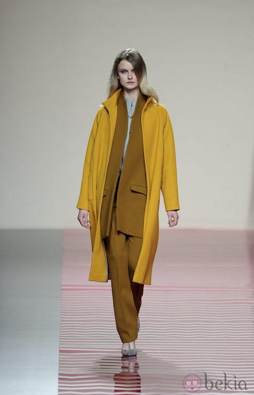 Amarillo color mostaza de la colección otoño/invierno 2013/2014 de Ailanto en Madrid Fashion Week