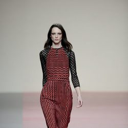 Vestido de estampado geométrico de la colección otoño/invierno 2013/2014 de Ailanto en Madrid Fashion Week