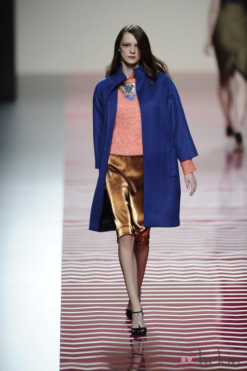 Look brillante de la colección otoño/invierno 2013/2014 de Ailanto en Madrid Fashion Week