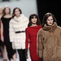 Carrusel final de la colección otoño/invierno 2013/2014 de Roberto Torretta en Madrid Fashion Week