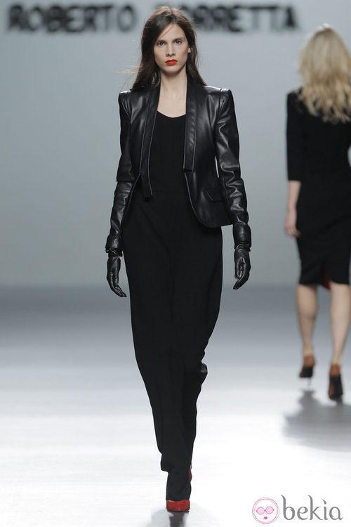 Chaqueta de cuero de la colección otoño/invierno 2013/2014 de Roberto Torretta en Madrid Fashion Week