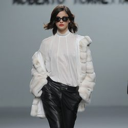Pantalón de cuero de la colección otoño/invierno 2013/2014 de Roberto Torretta en Madrid Fashion Week