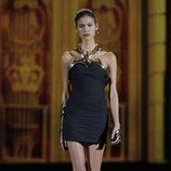 Collar maxi de oro de la colección otoño/invierno 2013/2014 de Aristocrazy en Madrid Fashion Week