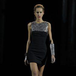 Brazalete metalizado de la colección otoño/invierno 2013/2014 de Aristocrazy en Madrid Fashion Week