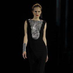 Collar metalizado de la colección otoño/invierno 2013/2014 de Aristocrazy en Madrid Fashion Week