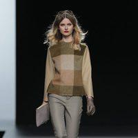 Jersey de cuadros de la colección otoño/invierno 2013/2014 de Ion Fiz en Madrid Fashion Week