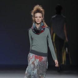 Falda con vuelo étnica de la colección otoño/invierno 2013/2014 de Sara Coleman en Madrid Fashion Week