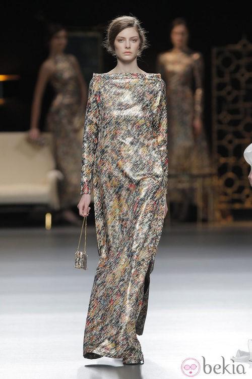 Vestido largo degradado de la colección otoño/invierno 2013/2014 de Juanjo Oliva en Madrid Fashion Week