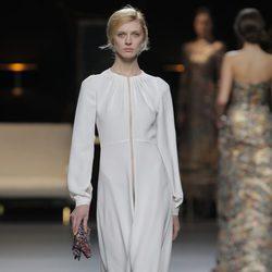Vestido con cremallera de la colección otoño/invierno 2013/2014 de Juanjo Oliva en Madrid Fashion Week