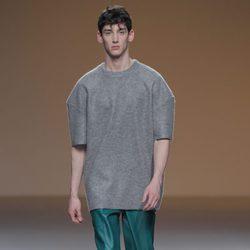 Pantalón masculino verde esmeralda de la colección otoño/invierno 2013/2014 de A.A. de Amaya Arzuaga en Madrid Fashion Week