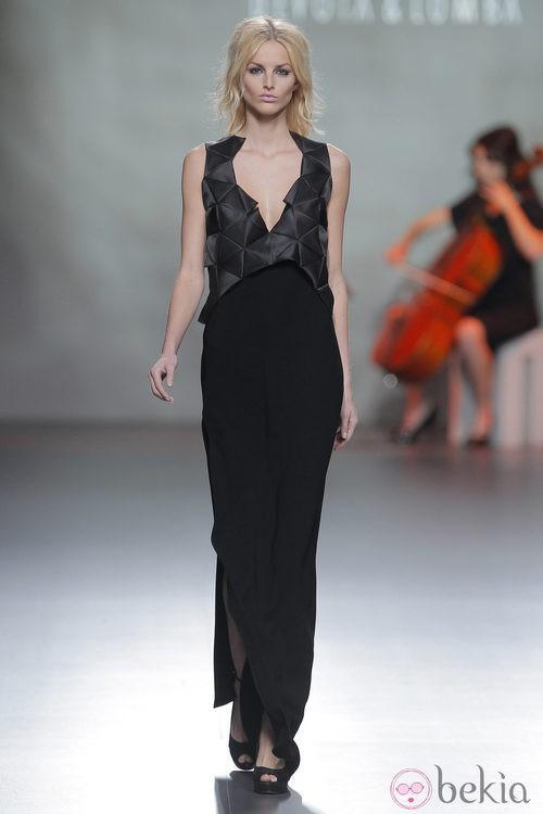 Vestido largo negro de la colección otoño/invierno 2013/2014 de Devota & Lomba en Madrid Fashion Week