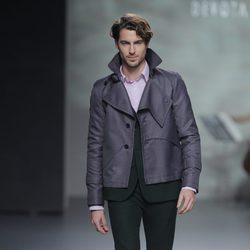 Traje verde musgo de la colección otoño/invierno 2013/2014 de Devota & Lomba en Madrid Fashion Week