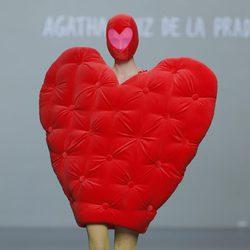 Vestido con forma de corazón de la colección otoño/invierno 2013/2014 de Ágatha Ruiz de la Prada en Madrid Fashion Week
