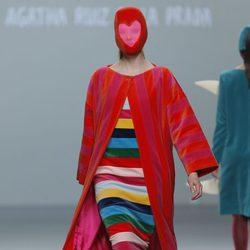 Capa de rayas de la colección otoño/invierno 2013/2014 de Ágatha Ruiz de la Prada en Madrid Fashion Week