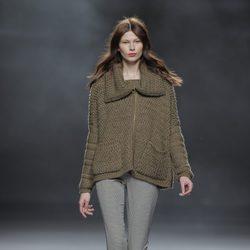 Chaqueta de punto de la colección otoño/invierno 2013/2014 de Sita Murt en Madrid Fashion Week