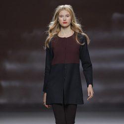 Chaqueta bicolor de la colección otoño/invierno 2013/2014 de Sita Murt en Madrid Fashion Week